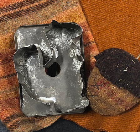 """NEW!  """"Antique Cookie Cutter Olde Squirrel"""""""