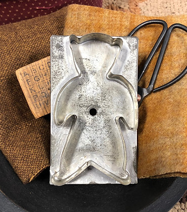 """NEW!  """"Antique Cookie Cutter Olde Bear"""""""