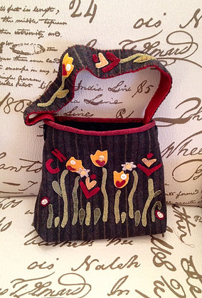 "#246 ""May Flowers"" Wool Hand Bag Pattern"