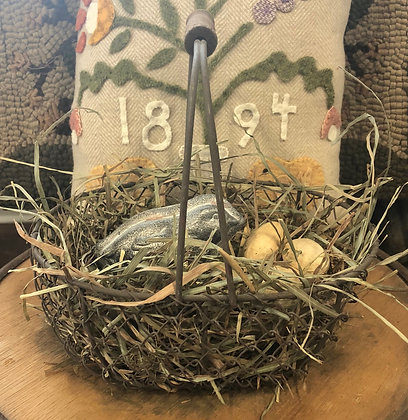 NEW!  Olde Farm-Find Egg Basket
