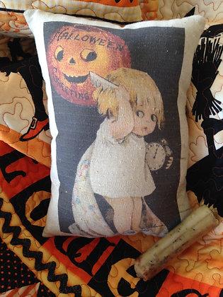"""Olde Vintage """"Halloween Greetings"""" Pantry Pillow"""
