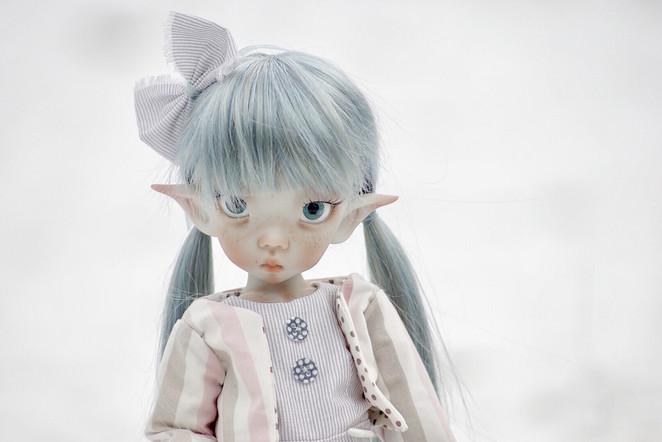 Linda elf, grey skin