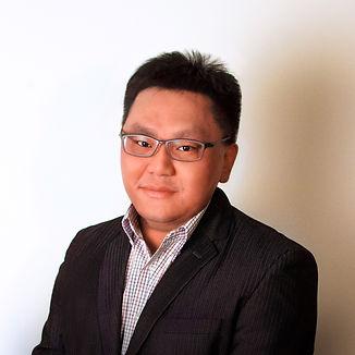 Kelvin Tan Headshot.jpg