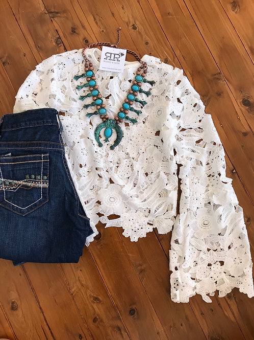White lace w bell sleeve