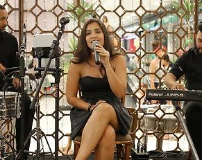 Fotos Lara Carrijo música para casamento