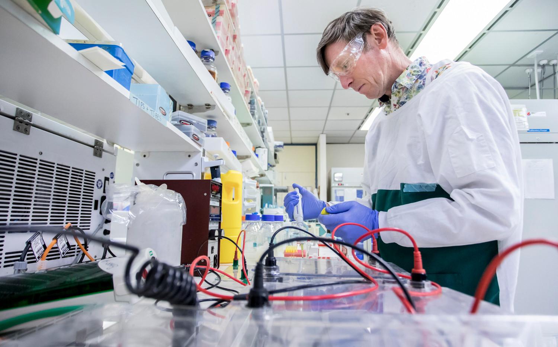 Professor Simon Barry, Carina Biotech