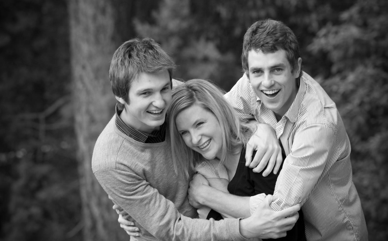 older sibling family photos