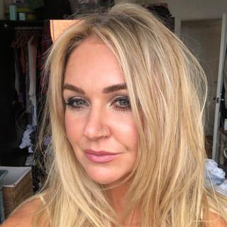 Donna hairstylist.jpeg