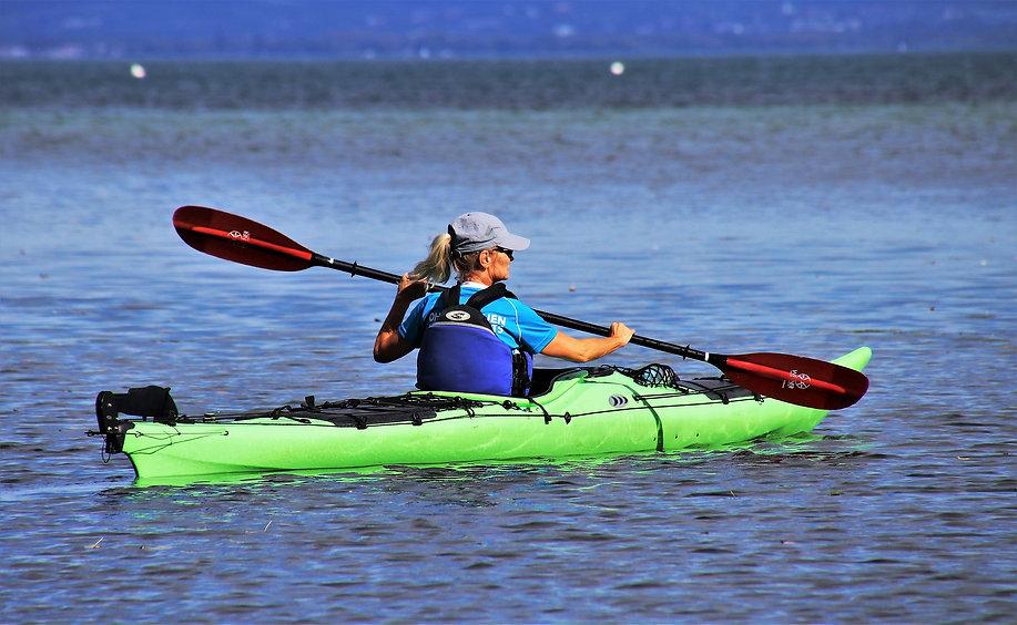 kayak-3698118_1920.jpg