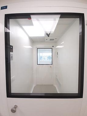 חדר נקי חלון
