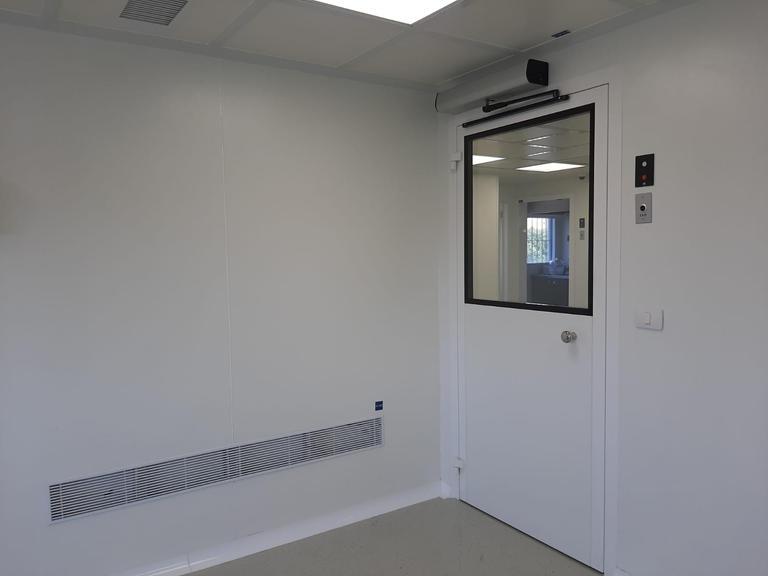 חדרים נקיים דלתות ממונעות
