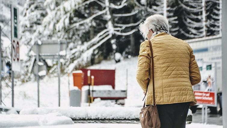 belly-warmer-for-elderly_edited_edited.j