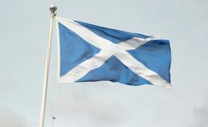 A equipe da farmácia na Escócia receberá um bônus de £ 500 em reconhecimento ao serviço COVID-19