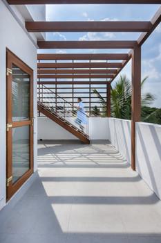 Gelani Residence Terrace Pergola