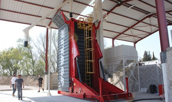 A-Ward-container-loader-grain-960x600_mi