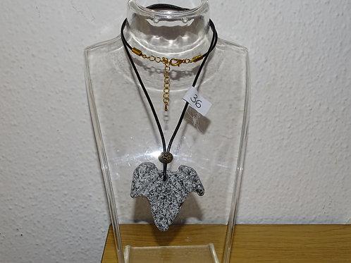 Collana in pietra naturale a forma di edera