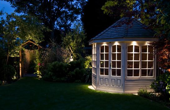outdoor-garden-light-3.jpg