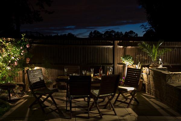 outdoor-garden-light-9.jpg