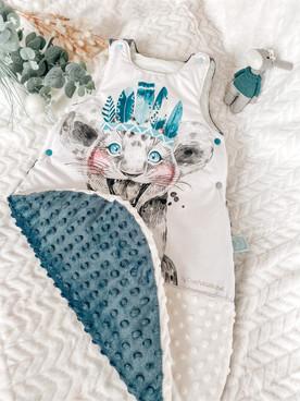 Gigoteuse Aku motif Lionceau Minky bleu