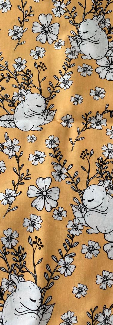48 - Ecureuils encrés fond jaune