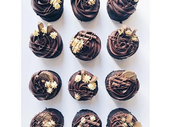 chocolate orange mini cakes topped with