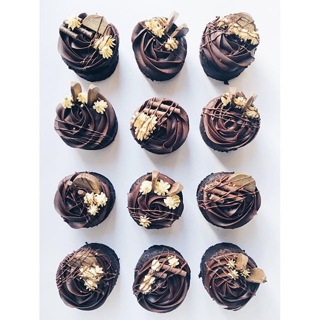 chocolate orange mini cakes topped with
