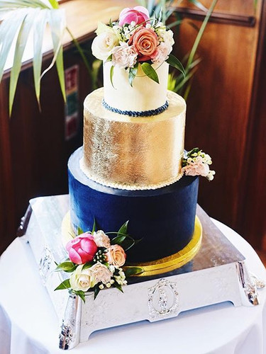 Wedding cake from the weekend 👰💍🎩 bot