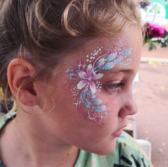 Flowery eye design