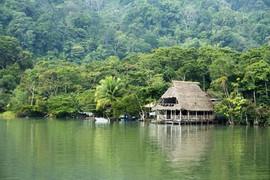 rio dulce viaggio maya 2020.jpg