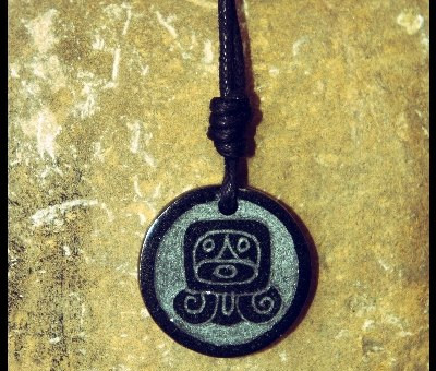 Glifo Maya in Giada