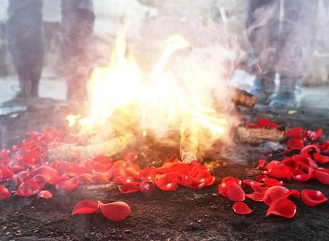 Cerchio di Tamburi e Cerimonia Maya del Fuoco per la Celebrazione dell'Equinozio di Primavera. M