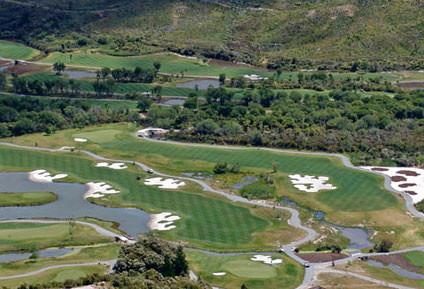 lakes-resort-12-17-full.jpg