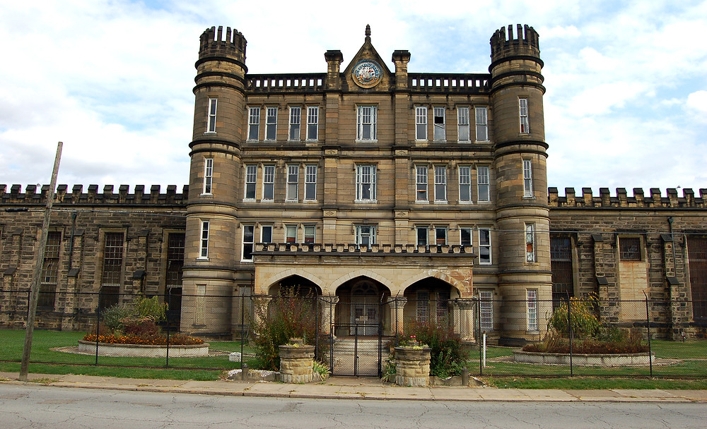 By Taber Andrew Bain (Flickr: West Virginia Penitentiary) [CC BY 2.0 (http://creativecommons.org/licenses/by/2.0)], via Wikimedia Commons
