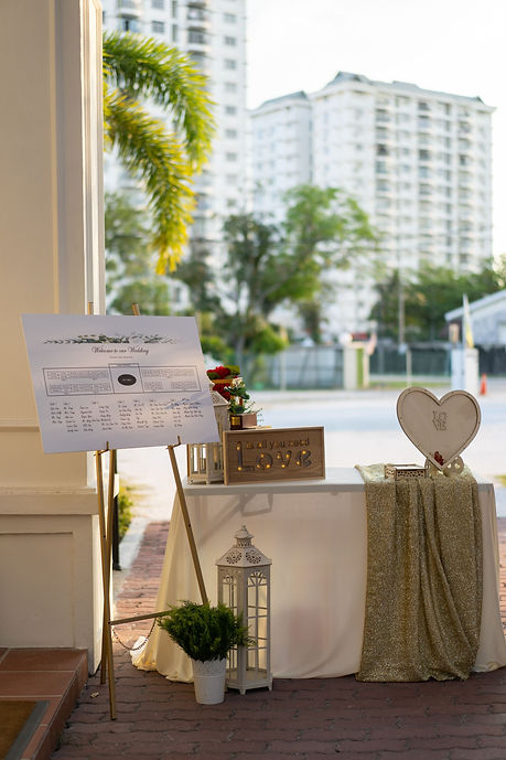 White and gold registration table