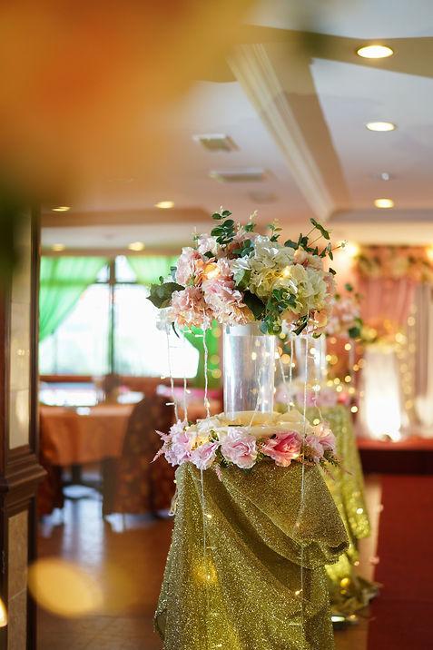 Floral walkway decoration