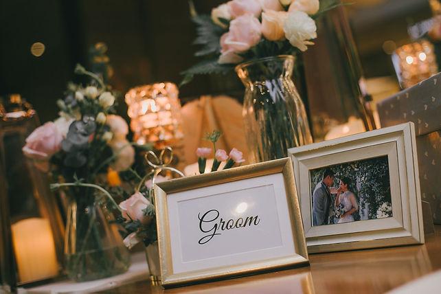 Groom album table