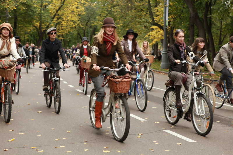 Tweed ride Moscow/ OGONEK MAGAZINE /