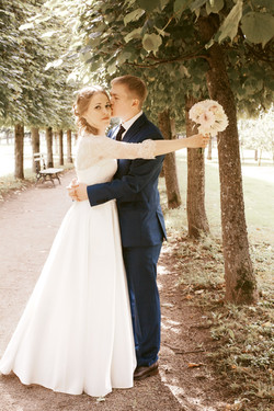 Lovely wedding day Anya and Vitaly: