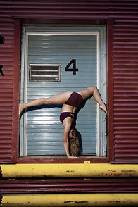 Coral Crawford training circus handstands in Victoria on Vancouver island