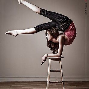 circus flexibility classes in Victoria on Vancouver Island