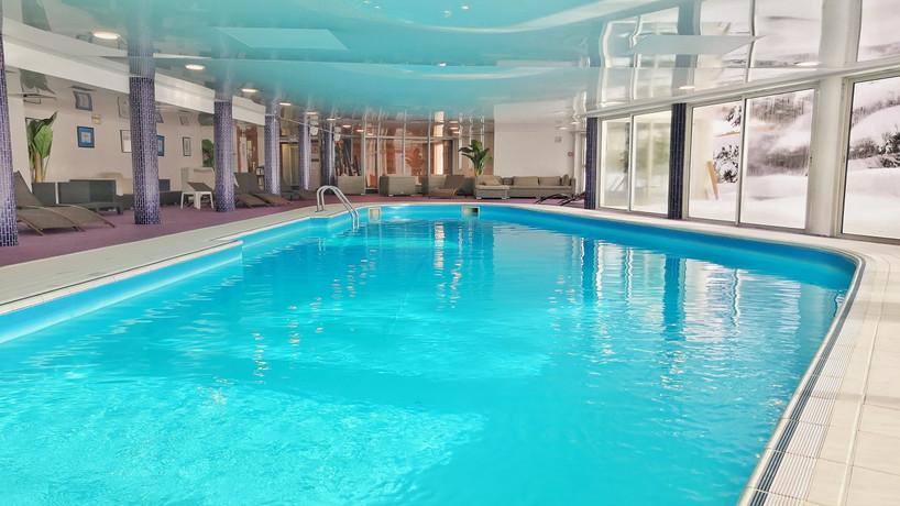 piscine de l'hôtel la farandole