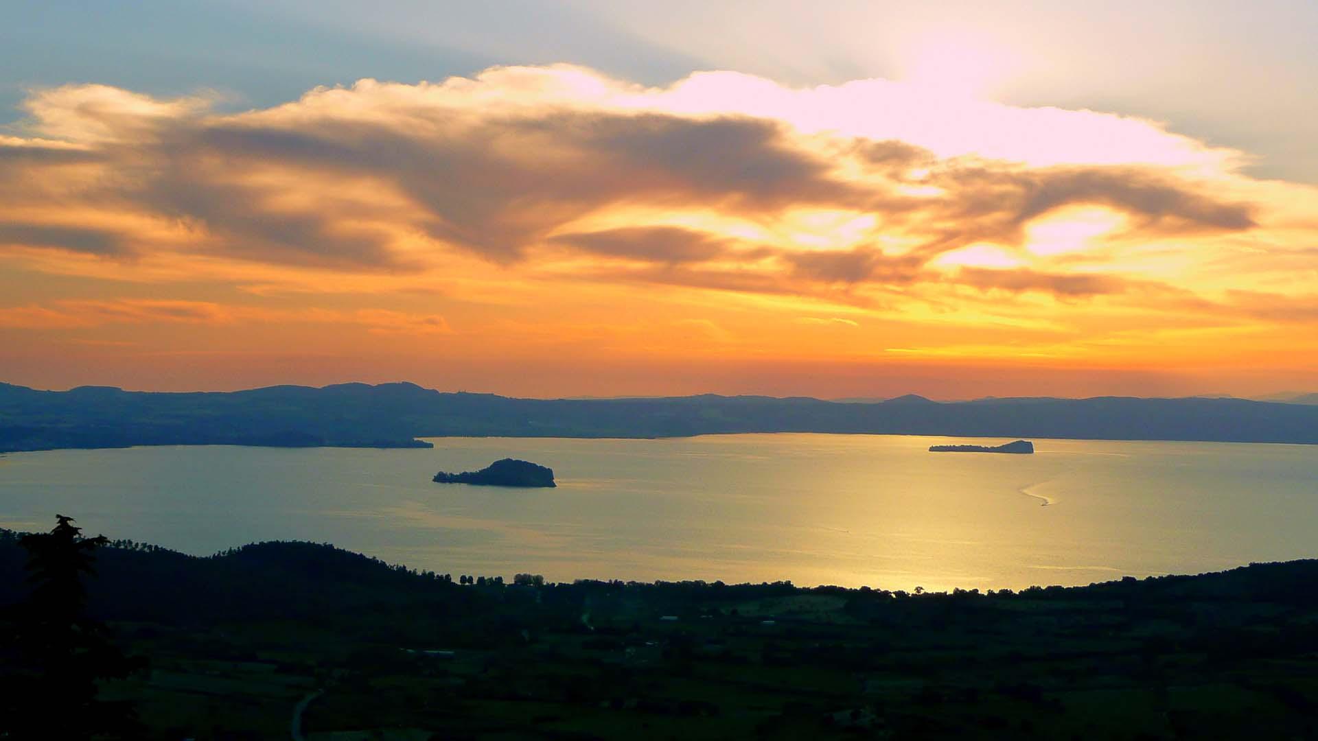 tramonto-lago