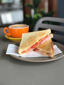 Kurrawa SC Tower 28 Cafe