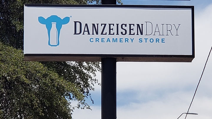 signage, outdoor signage, commercial signage, business signs, aluminum signs, coroplast signs