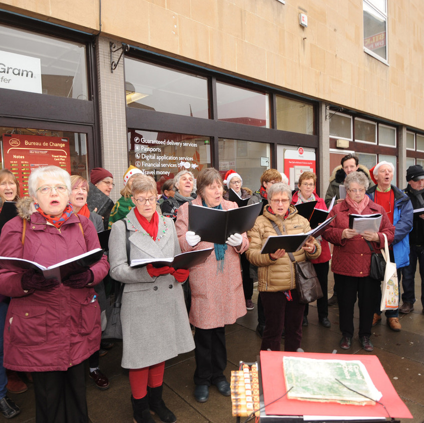 60105 1 Singers in Roundstone St