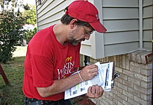 1024px-AFL_CIO_Door_knocking_2008.jpg