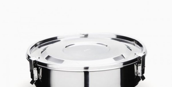 Divided airtight stainless steel storage container