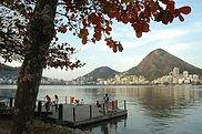 Fantasma Boat leva você para conhecer os melhores pontos turísticos como a Lagoa Rodrigo de Freitasno RJ.