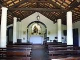 Fantasma Boat te leva para conhecer a igreja de SantÁnna em Búzios