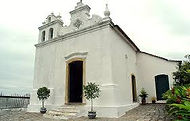 Fantasma Boat leva você para conhecer a Igreja da Lapa em Angra dos Reis no RJ.